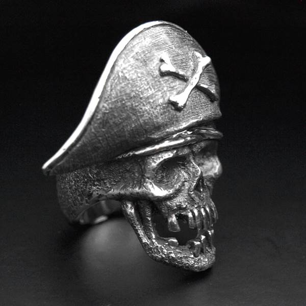 Captain pirate large skull silver ring
