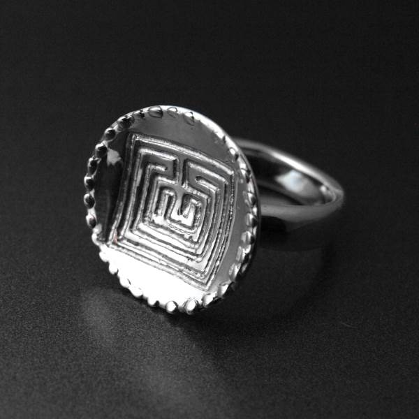 Celtic labyrinth silver ring - ALLDEADS