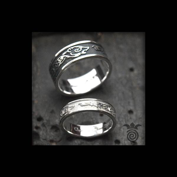 Duo alliances bear and raven with interlacing silver and white gold