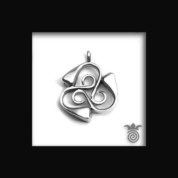 Silver horseshoes Triskell pendant