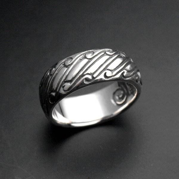 Silver ring alliance medieval gaudrons volutes