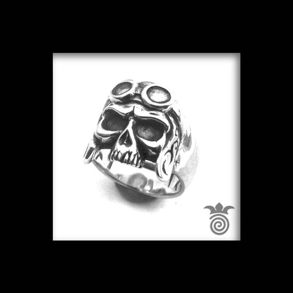 Skull ring with helmet and silver glasses